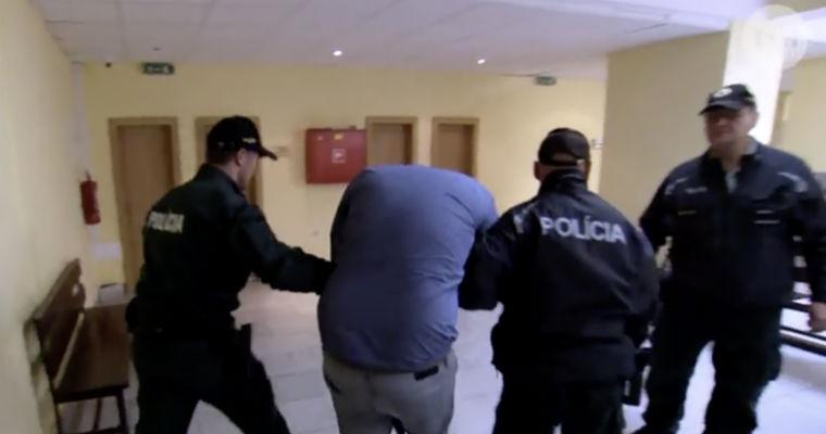 Polacy w sądzie w Dolnym Kubinie po spowodowaniu wypadku śmiertelnego na drodze. Źródło: TVN Uwaga