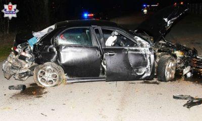 Pijany kierowca rozbił samochód na płocie w Adamowie. Fot. Policja