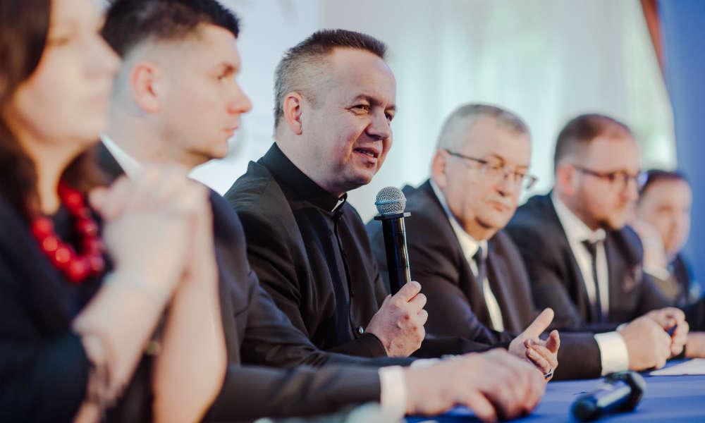 Ksiądz Zbigniew Szostak, prezes Stowarzyszenia Przejście. Fot. Materiały prasowe