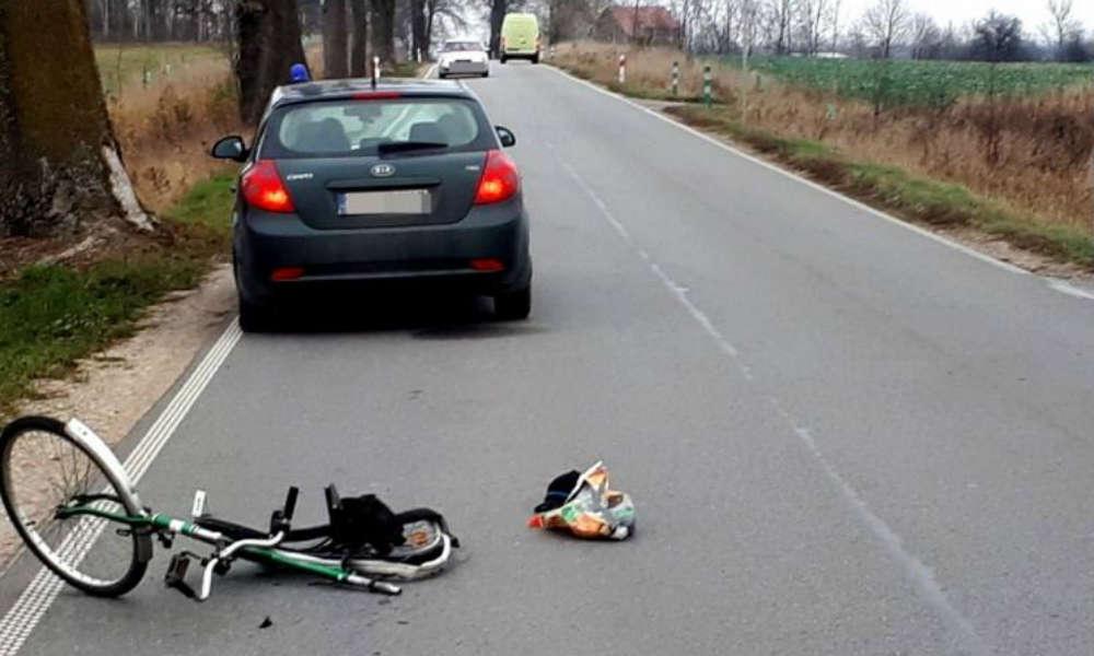 Śmiertelne potrącenie rowerzysty niedaleko miejscowości Prabuty. Fot. Policja