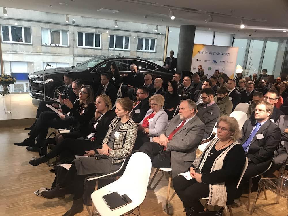 Seminarium o bezpieczeństwie drogowym zorganizowane przez Ambasadę Szwecji w Polsce. Fot. brd24.pl