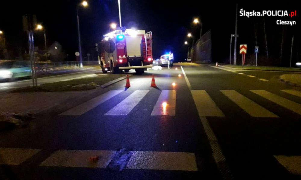 Śmiertelne potrącenie pieszej na przejściu w Ustroniu. Fot. Policja