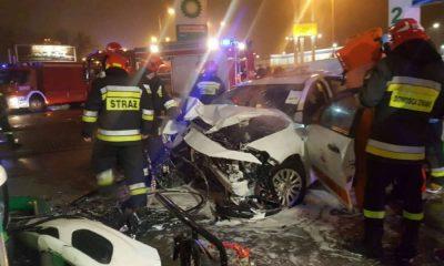 Wypadek na stacji paliw spowodowany przez pijaną nastolatkę w Łodzi. Fot. Policja