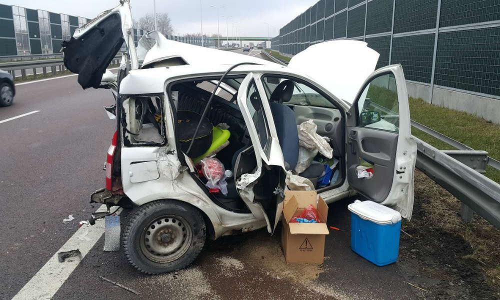 Fiat panda zniszczony w wypadku na S12. Fot. Policja