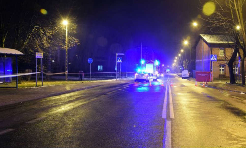 Mężczyzna, któremu sąd zakazał prowadzenia pojazdów, wjechał samochodem w grupę starszych kobiet na pasach w Rudzie Śląskiej. Jedną zabił, trzy ciężko ranił Fot. Policja
