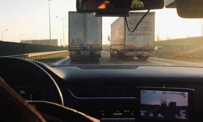 Policjanci wyłapywali kierowców ciężarówek, którzy na A2 lekceważyli znaki zakazujące im wyprzedzania Fot. Policja