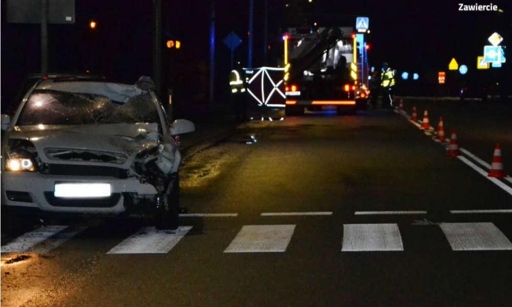 Śmiertelne potrącenie pieszej w Zawierciu. Kierowca zatrzymał się dopiero po 200 m  Fot. Policja