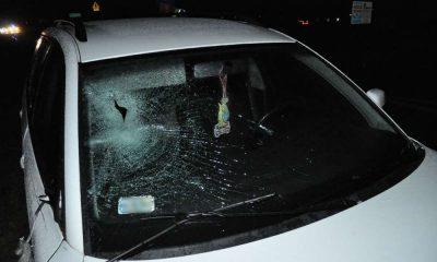 Kierowca potrącił pieszego stojącego w nocy na środku drogi. Fot. Policja