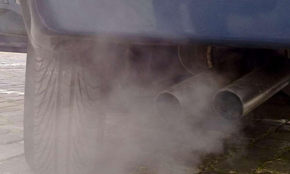 Spaliny samochodowe. Fot. Wikipedia Commons/Ruben de Rijcke/CC BY-SA 3.0