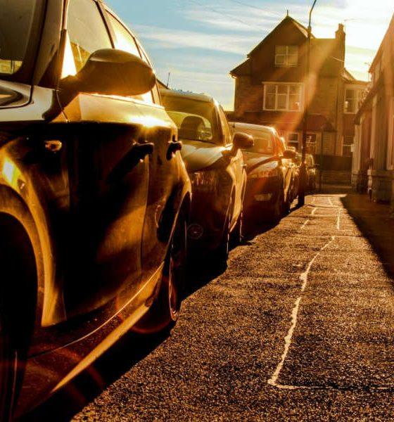 Zaparkowane samochody Fot. CC0