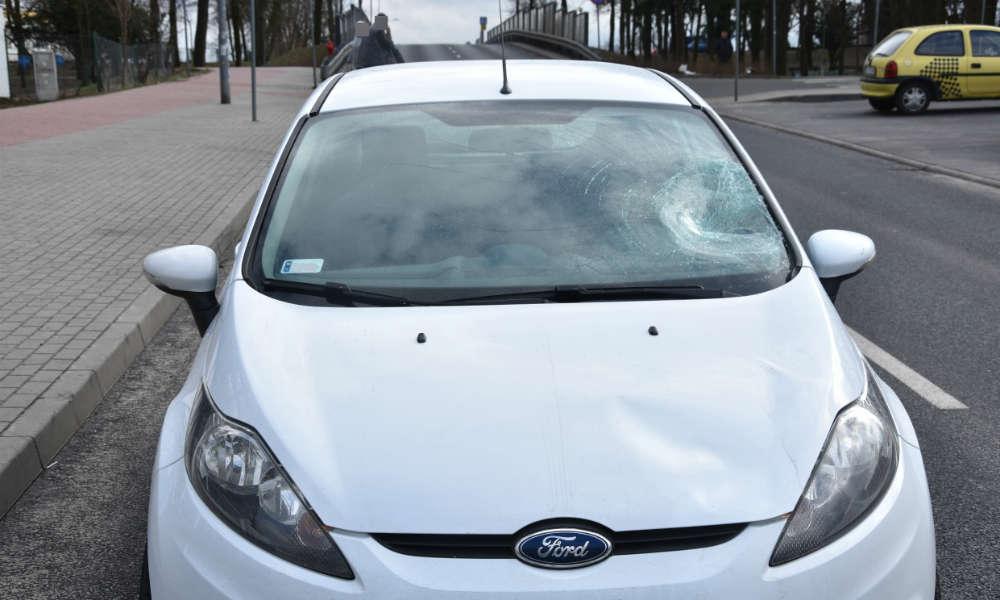 18-letni kierowca potrącił pieszego na przejściu w Zielonej Górze Fot. Policja