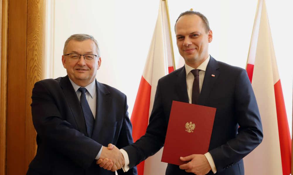 Minister infrastruktury Andrzej Adamczyk powołał na sekretarza stanu Rafała Webera. Fot. MI
