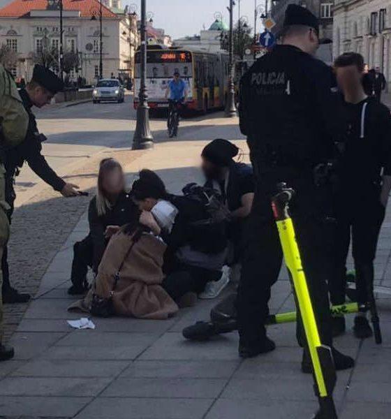 Zderzenie pieszej i nastolatka na hulajnodze w Warszawie. Fot. Jan Popławski/Miasto jest nasze