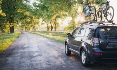 Samochód na drodze. Mat. PZPO