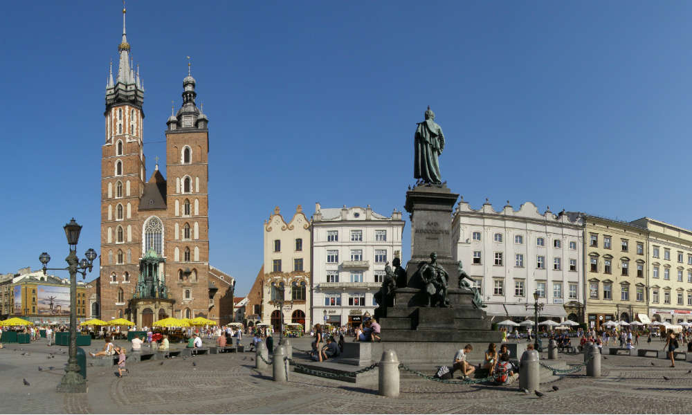 Rynek Główny w Krakowie. Fot. Andrzej Otrębski/CC ASA 4.0