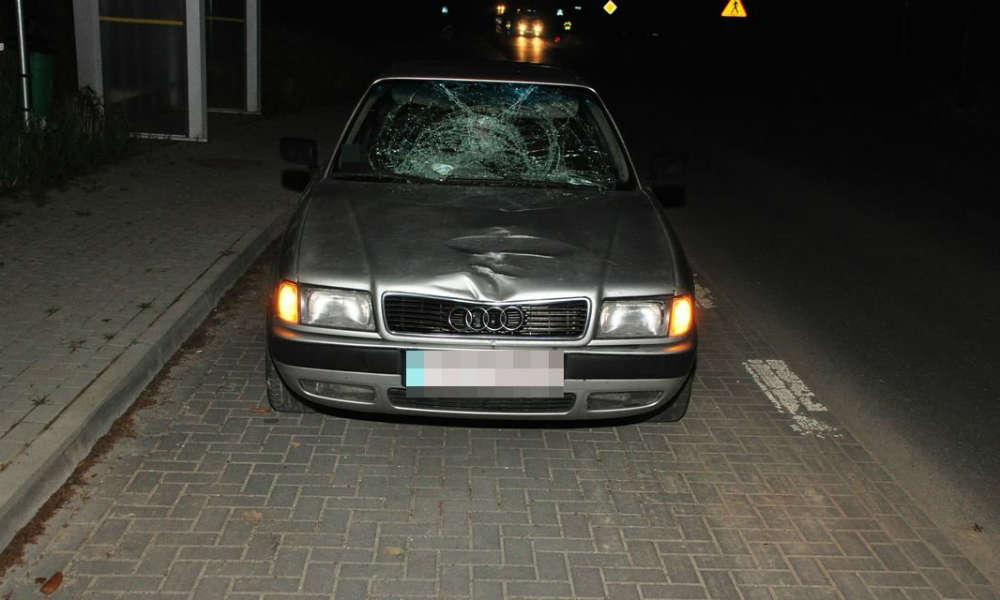 Kierowca audi śmiertelnie potrącił pieszego w miejscowości Kosarzew Dolny Kolonia Fot. Policja