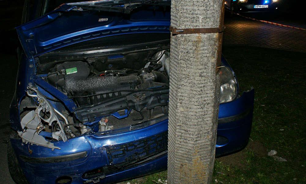 Kierowca mercedesa potrącił pieszą w Suwałkach. Fot. Policja