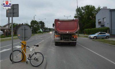 Zderzenie rowerzysty z ciężarówką w Chełmie. Fot. Policja