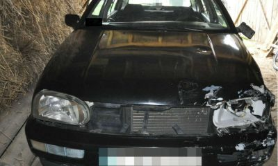 VW golf, którego kierowca zabił rowerzystę w Leszkowicach. Fot. Policja