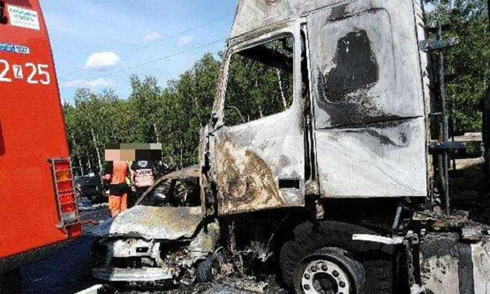 W karambolu na autostradzie A6 zginęło 6 osób. Samochody spłonęły Fot. ITD