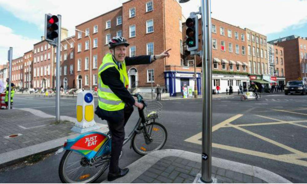 Shane Ross, minister transportu, turystyki i sportu w Irlandii. Źródło: dttas.ie