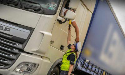 Policja z Gorzowa kontrolowała kierowców ciężarówek na trasie S3. Fot. Policja