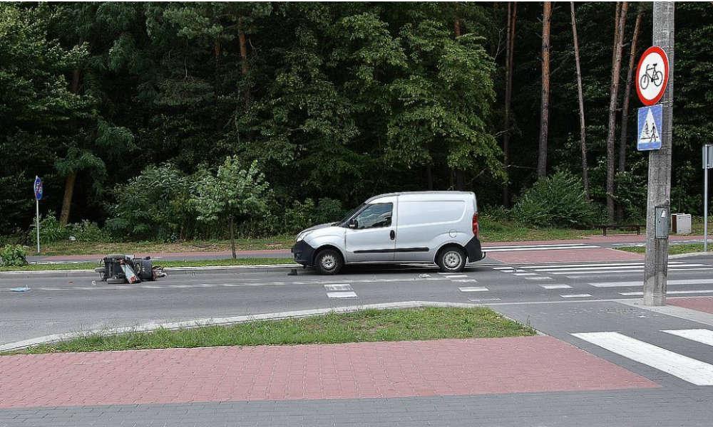 Do wypadku w Poniatowej doszło w środku dnia, około południa Fot. Policja