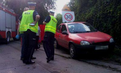 Pod kołami osobowego opla w Rybniku zginął spacerujący z rodzicami 7-latek. W samochodzie wszyscy byli pijani, wszyscy zostali zatrzymani Fot. Policja