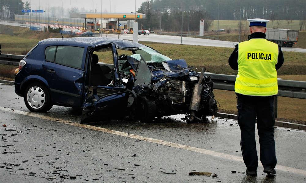 W lutym 53-latek jechał oplem astrą pod prąd autostradą A1 i spowodował wypadek śmiertelny Fot. Policja