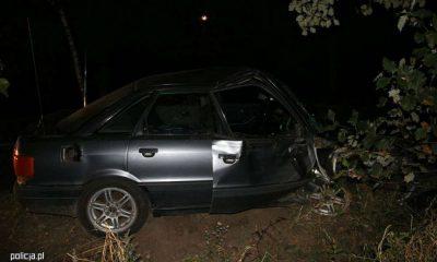 Pijany kierowca i jego kompan wyciągnęli ranną kobietę z samochodu i zostawili na polu. Nie przeżyła wypadku. Fot. Policja