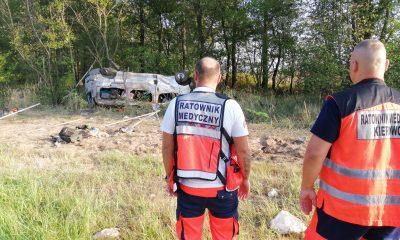 Wypadek busa na A4. Źródło: Facebook/Pogotowie Ratunkowe w Legnicy