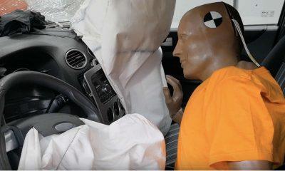 Podczas crash testu dla kampanii Krajowej Rady BRD przy prędkości 70 km/h zderzenia miały nie wytrzymać pasy bezpieczeństwa przytrzymujące manekina. Źródło: YouTube
