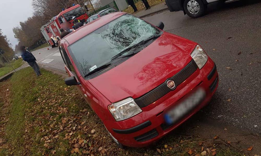 Kierowca fiata potrącił 15-latkę na przejściu dla pieszych w Gołotczyźnie. Fot. OSP Sońsk/Facebook