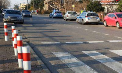 Kierowca wjechał w babcię z wnuczkiem na przejściu dla pieszych w Dąbrowie Górniczej. Fot. Policja
