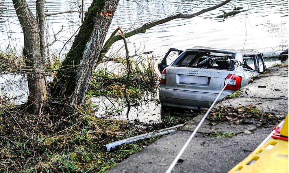 Wypadek w Lubuskiem. Pięcioro nastolatków wypadło samochodem z drogi do wody. Nikt nie przeżył. Fot. Policja