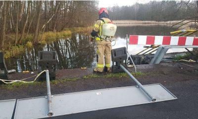 Wypadek w rozlewisku rzecznym niedaleko Świebodzina. Źródło: Twitter/Marcin Maludy