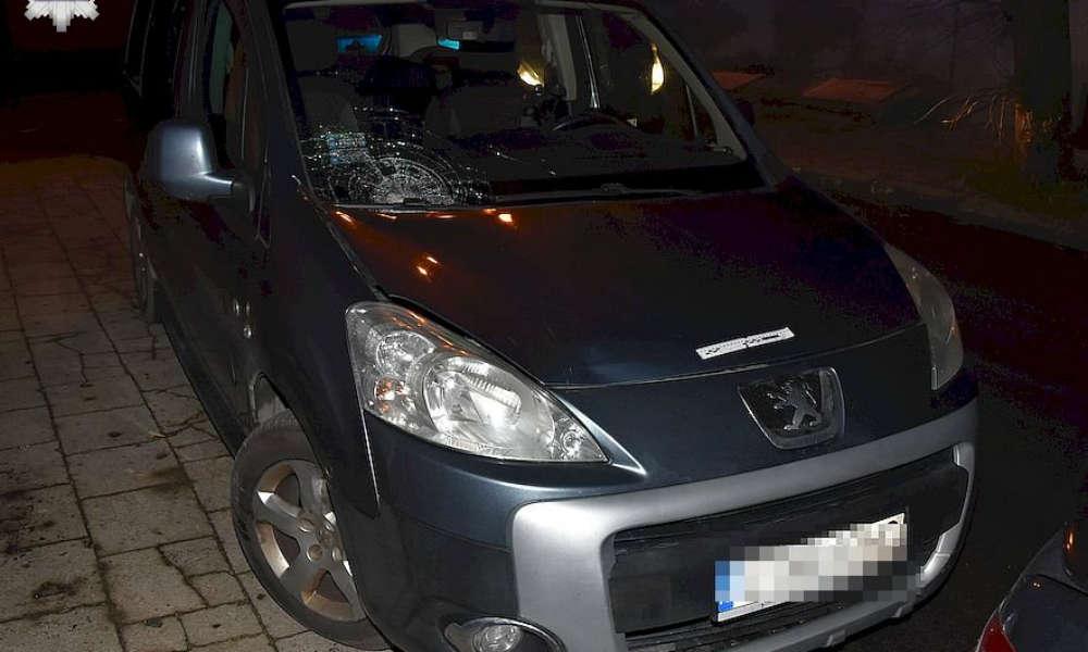 Kierowca ciężko ranił pieszą na przejściu w Piaskach Fot. Policja