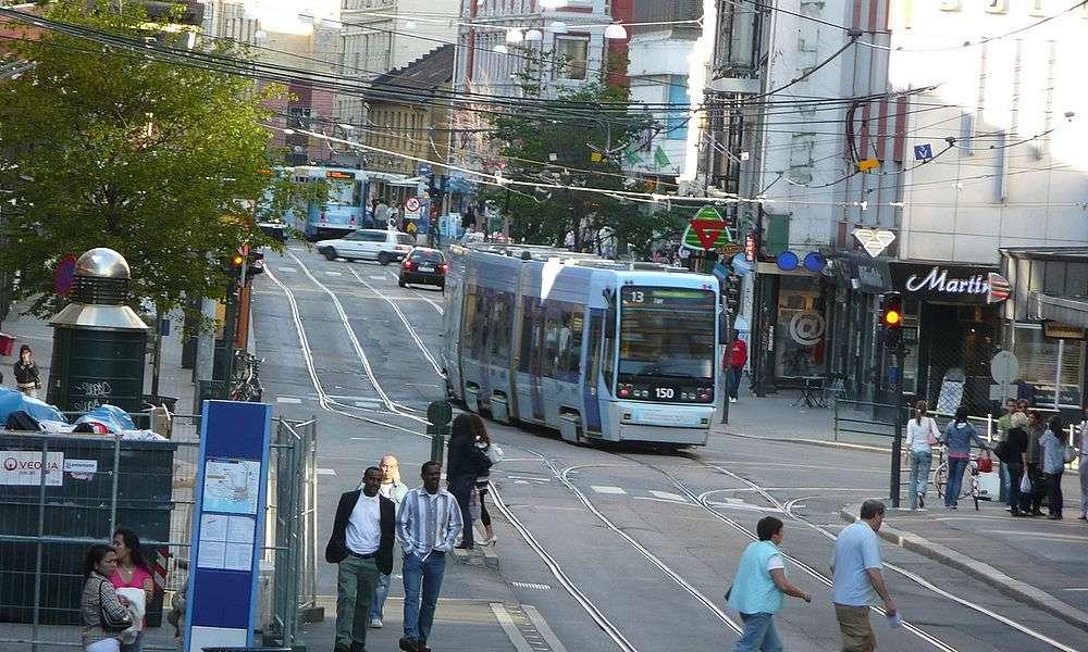 Ulica w Oslo. Fot. Wikimedia Commons/Metro Centric