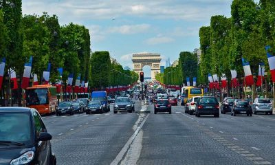 Ruch samochodowy w Paryżu. Fot. CC0