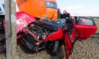 Wypadek na przejeździe kolejowo-drogowym w Szaflarach Fot. Raport PKBWK