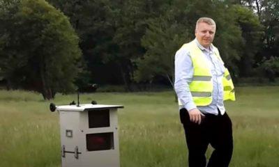 """Emil Rau, przedsiębiorca, tak zwany """"łowca fotoradarów"""". Źródło: YouTube"""