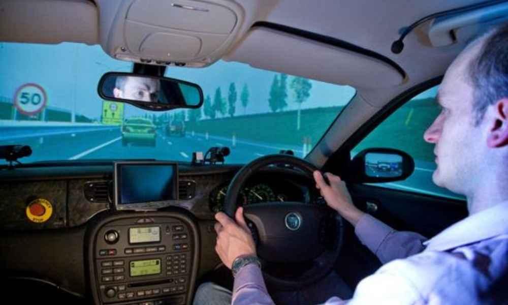 University of Leeds badał systemy ISA w symulatorach. W badaniu wzięło udział 30 kierowców. Fot. University of Leeds