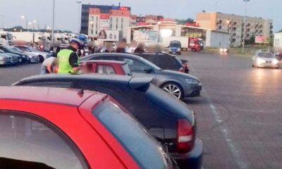 """Policjanci przerwali """"zabawę"""" w Gorzowie Wielkopolskim. Przyjechało tam ponad 300 osób Fot. Policja"""