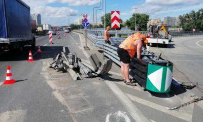 Naprawa osłony energochłonnej na trasie S8, w miejscu, gdzie na wiadukcie mostu Grota-Roweckiego kierowca autobusu zjechał z nasypu doprowadzając do śmiertelnego wypadku Fot. GDDKiA