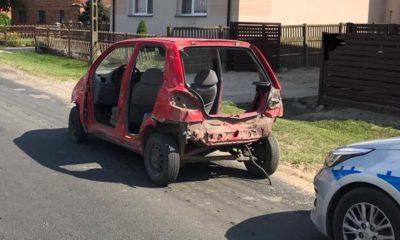 """Takim """"samochodem"""" jechał zatrzymany przez patrol pijany młody człowiek Fot. Policja"""