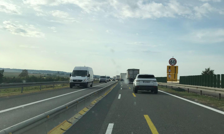 Szeroka bariera na A4 i za wąski lewy pas dla kierowców Fot. nadesłane