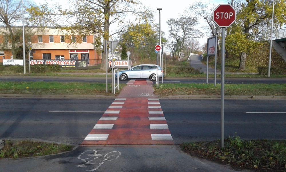 ...i przejazd dla rowerów w Zielonej Górze od strony rowerzysty Fot. Wiesław Migdałek