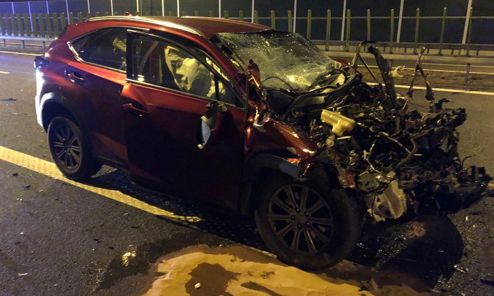 19-latek rozbił lexusa na autostradzie A4. Fot. Policja