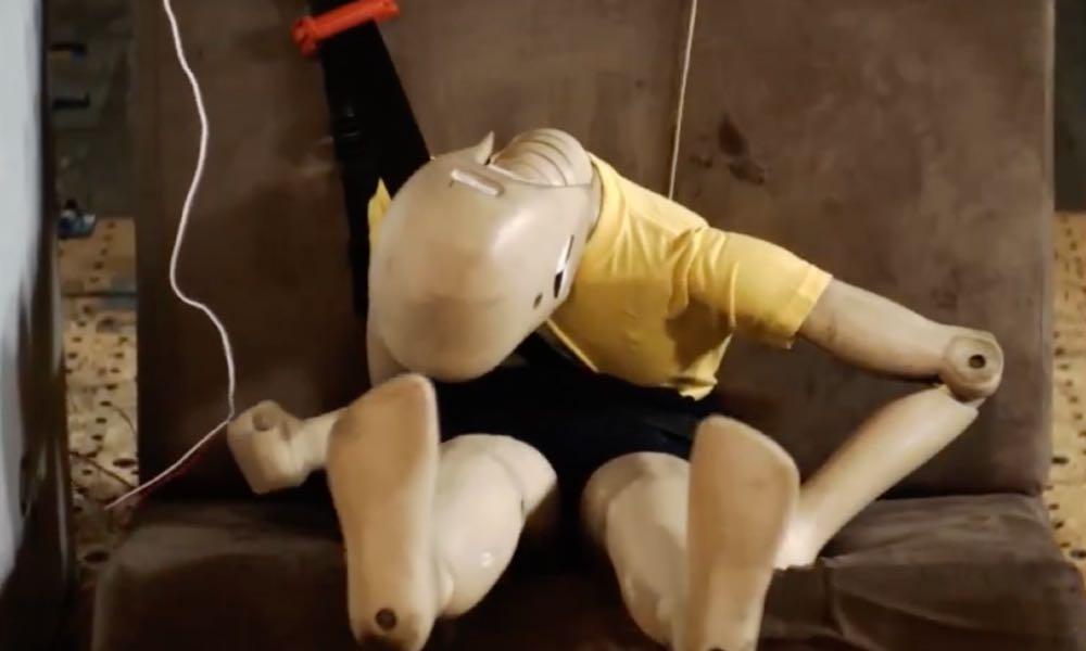 Próba zderzeniowa Smart Kid Belt, manekin 32 kg Źródło: YouTube
