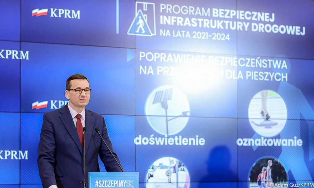 Premier Mateusz Morawiecki ogłaszający Program Bezpiecznej Infrastruktury Drogowej na lata 2021-2024 Fot. Adam Guz/KPRM